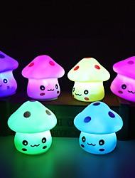 Недорогие -1pc вел свет ночи цветной грибной комнаты стол прикроватная лампа для малышей дети рождественские подарки случайный цвет