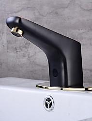 Недорогие -Ванная раковина кран - Датчик Черная оксидная отделка Свободно стоящий Руки свободно одно отверстиеBath Taps
