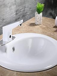 Недорогие -Ванная раковина кран - Датчик Хром Свободно стоящий Руки свободно одно отверстиеBath Taps