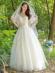 abordables -Princesse Col en V Longueur Sol Dentelle / Tulle Robes de mariée sur mesure avec Noeud(s) / Ceinture en étoffe par LAN TING Express