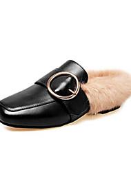 Недорогие -Жен. Наппа Leather Зима На каждый день / Минимализм Мокасины и Свитер На низком каблуке Заостренный носок Пряжки Черный / Бежевый