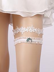 ราคาถูก -ลูกไม้ เกี่ยวกับเจ้าสาว Wedding Garter กับ มุก / เข็มกลัดดอกไม้ สายรัด งานแต่งงาน / ปาร์ตี้