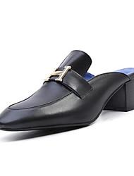 ieftine -Pentru femei Nappa Leather Vară Casual / minimalism Saboți Toc Îndesat Vârf ascuțit Cataramă Alb / Negru