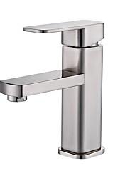 Недорогие -Ванная раковина кран - Широко распространенный Матовый никель Настольная установка Одной ручкой одно отверстиеBath Taps