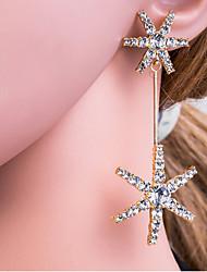 levne -Dámské Stříbrná Zlatá Geometrické Visací náušnice Umělé diamanty S925 Sterling Silver Náušnice Evropský Šperky Zlatá / Stříbrná Pro Denní 1 Pair
