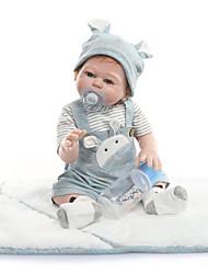 Недорогие -NPKCOLLECTION Куклы реборн Дети 22 дюймовый Полный силикон для тела Винил - Очаровательный Новый дизайн Искусственные имплантации Голубые глаза Детские Универсальные Игрушки Подарок