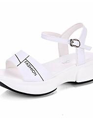 hesapli -Kadın's Ayakkabı PU Yaz Günlük Sandaletler Creepers Günlük için Taşlı Beyaz / Siyah / Zıt Renkli