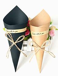 Недорогие -Taper Shape Крафт-бумага Фавор держатель с Подпруга Товары для дома / Коробочки / Коробка для хранения - 50 ед.