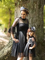 Недорогие -Мама и я Активный Классический Однотонный Кружева Рукав 3/4 До колена Платье Черный