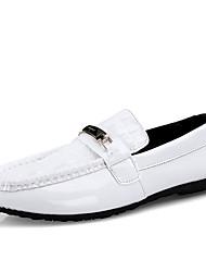 Недорогие -Муж. Официальная обувь Полиуретан Осень / Весна лето Деловые / На каждый день Мокасины и Свитер Для прогулок Дышащий Черный / Белый / Свадьба