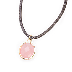 甘いピンクの楕円形のチタン鋼のペンダントネックレス