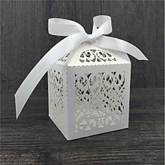 50pcs Lace Flower wedding Favor Candy Box Chocolate Bags Baby Shower
