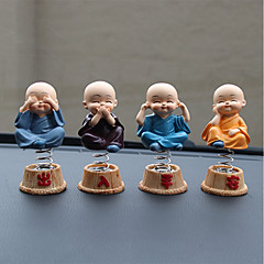 Diy ornamentos automotivos cartoon anime little monk dolls carro pendant& Ornamentos de resina