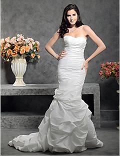 tanie Prawdziwy wdzięk-Syrena Dekolt serduszko Tren w stylu sądowym Tafta Niestandardowe suknie ślubne z Spódnica z zagniotami Fałdki boczne Guzik przez LAN