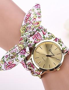 billige Armbåndsure-Dame Quartz Armbåndsur Afslappet Ur Stof Bånd Blomst Hvid Rød