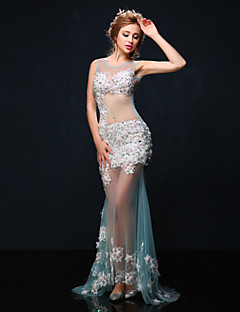 Mermaid / Trumpet Illusion Neckline Court Train Tulle Formal Evening Dress with Beading Flower(s) Pearl Detailing by Huaxirenjiao