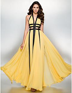 billiga Balklänningar-A-linje Dunkel halsringning Golvlång Chiffong Bal / Formell kväll Klänning med Delad framsida av TS Couture®
