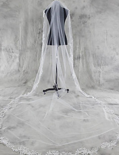 One-tier Lace Applique Edge Wedding Veil Chapel Veils Cathedral Veils With Applique Tulle