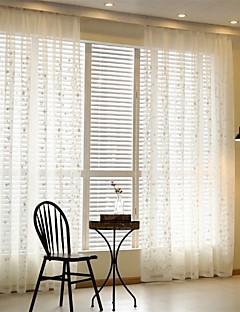 billige Gjennomsiktige gardiner-Propp Topp Blyant Plissert To paneler Window Treatment Moderne Europeisk Land, Broderi Stue Poly/ Bomull Blanding Materiale Gardiner