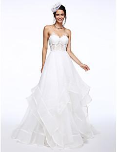 billiga Brudklänningar-A-linje Hjärtformad urringning Hovsläp Organza / Genomskinlig spets Bröllopsklänningar tillverkade med Applikationsbroderi / flounced av