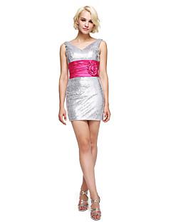 billige Paljettkjoler-Tube / kolonne V-hals Kort / mini Paljetter Cocktailfest Ball Kjole med Blomst(er) Belte / bånd Sidedrapering av TS Couture®