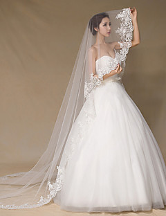 One-tier Lace Applique Edge Wedding Veil Cathedral Veils With Applique Satin Flower Satin Bow Rhinestones Lace Tulle