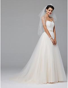 billiga Brudklänningar-A-linje Hjärtformad urringning Hovsläp Spets / Tyll Bröllopsklänningar tillverkade med Knappar / Bälte / band av LAN TING BRIDE® / Brudklänning i färg
