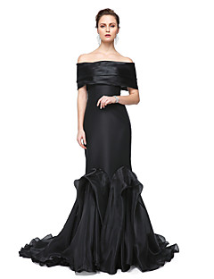 cheap Celebrity Dresses-Mermaid / Trumpet Off-the-shoulder Floor Length Stretch Satin Formal Evening Dress with Pleats by TS Couture®