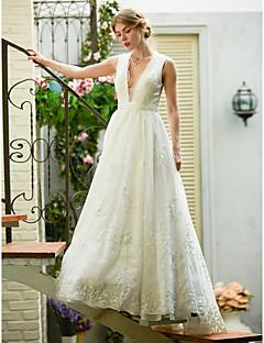 billiga Plusstorlek brudklänningar-A-linje Dunkel halsringning Svepsläp Spets på tyll Bröllopsklänningar tillverkade med Applikationsbroderi / Bälte / band av LAN TING