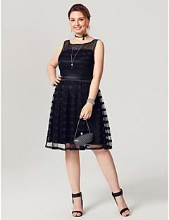 저렴한 리틀 블랙  드레스-A-라인 핏 & 플레어 환상 목걸이 무릎 길이 튤 스트래치 새틴 칵테일 파티 / 댄스 파티 드레스 와 허리끈/리본 으로 TS Couture®