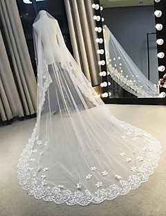 One-tier Lace Applique Edge Wedding Veil Cathedral Veils With Scattered Bead Floral Motif Style Lace Tulle