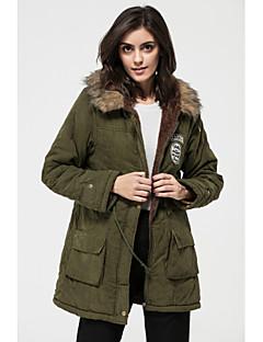 Χαμηλού Κόστους Γούνινο παλτό με κουκούλα-Γυναικεία Μεγάλα Μεγέθη Μακρύ Βαμβάκι Παρκάς - Μονόχρωμο Με Κουκούλα / Χειμώνας / Με Επένδυση