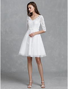 billiga Brudklänningar-A-linje V-hals Knälång Spets Bröllopsklänningar tillverkade med Rosett(er) / Skärp / Band av LAN TING BRIDE®
