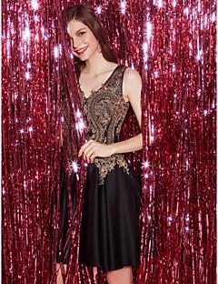 baratos Vestidos de Formatura-Linha A Decote V Curto / Mini Renda / Tule Coquetel Vestido com Apliques de TS Couture®