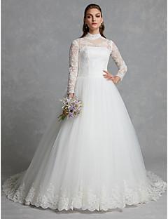 billiga Brudklänningar-A-linje / Balklänning Hög hals Kapellsläp Spets / Tyll Bröllopsklänningar tillverkade med Applikationsbroderi / Knappar / Spets av LAN TING BRIDE® / Glittra och gläns