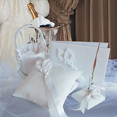 Calla Lily Wedding Collection Set In Wihte Satin (4 Pieces)