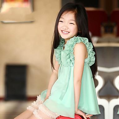 blusa de gasa con volantes chica de moda de la manga