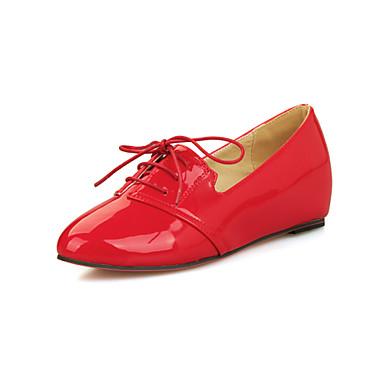 Oxford-kengät - Kiilakorko - Naisten kengät - Kiiltonahka - Musta / Vihreä / Punainen / Beesi - Puku / Rento - Pyöreäkärkiset