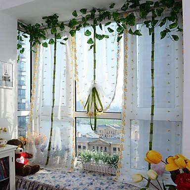 One Panel Window Hoito Eurooppalainen , Kirjailu Kurvi Living Room Polyesteri materiaali Läpinäkyvät verhot Shades Kodinsisustus