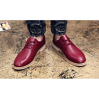 Homens sapatos Couro Ecológico Primavera Outono Conforto Oxfords para Casual Festas & Noite Branco Preto Vinho