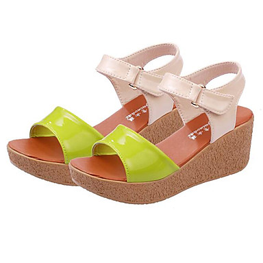 Naiset Kengät PU Kevät Comfort Sandaalit Käyttötarkoitus Kausaliteetti Beesi Vihreä