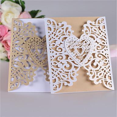abordables Faire-part mariage-Plis Portefeuille Faire-part mariage Cartes d'invitation Style classique / Cœur Papier nacre