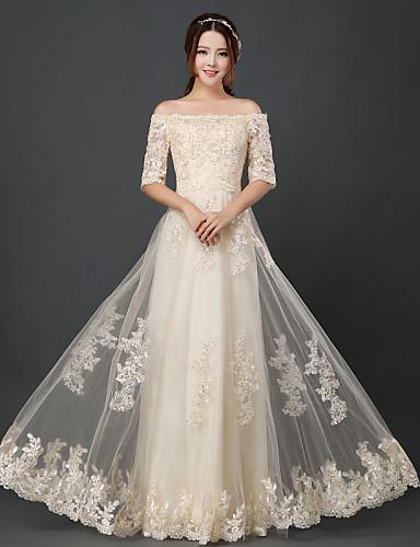 Vestido de dama de honra em tul de linha a linha com pescoço