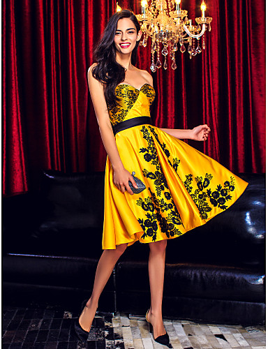 A-라인 핏 & 플레어 스윗하트 무릎 길이 레이스 새틴 칵테일 파티 댄스 파티 회사 파티 드레스 와 레이스 으로 TS Couture®