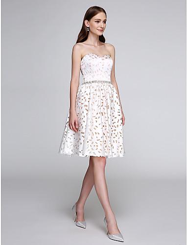 A-linje Kjære Knelang Sateng Cocktailfest Ball Skoleball Kjole med Perlearbeid av TS Couture®
