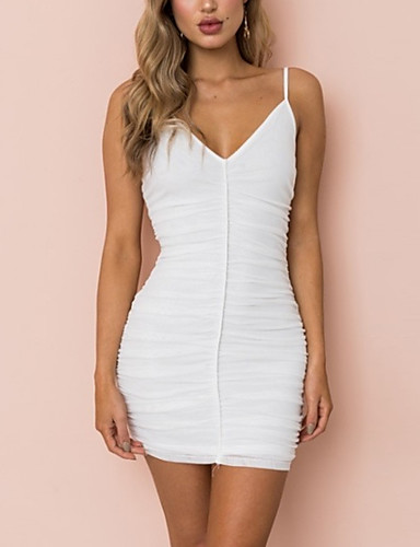 לבן כתפיה מעל הברך Ruched, צבע אחיד - שמלה נדן מועדונים בגדי ריקוד נשים / קיץ