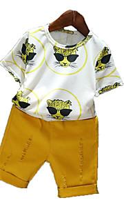 Toddler Genç Erkek Basit Günlük Günlük Tatil Solid Desen Delikli Resim Desen Kısa Kollu Pamuklu Polyester Kıyafet Seti Sarı