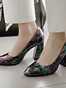 للمرأة Pumps PU ربيع & الصيف كعوب كعب متوسط حذاء براس مدبب أرجواني / التقزح اللوني / أخضر